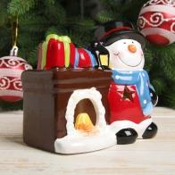 Подсвечник Снеговичок у камина