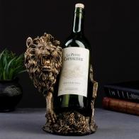 Подставка под бутылку Лев