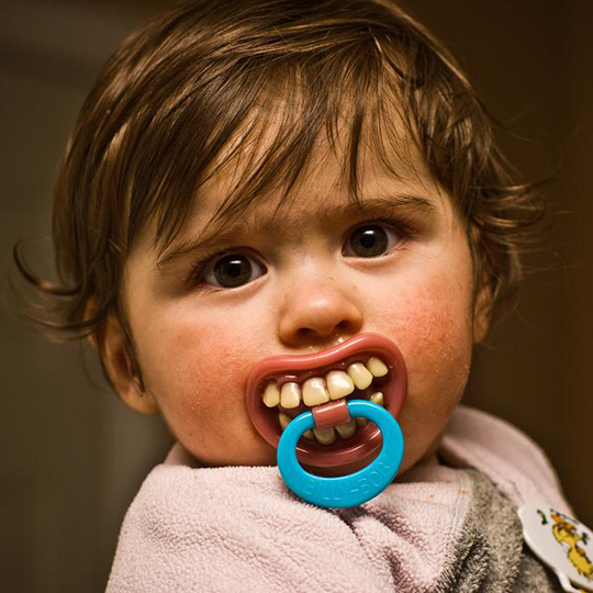 Соски з зубами